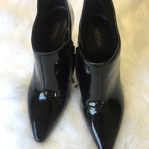 MICHAEL KORS Shoes - MICHAEL KORS CORRINE PATENT BOOT SIZE 7.5